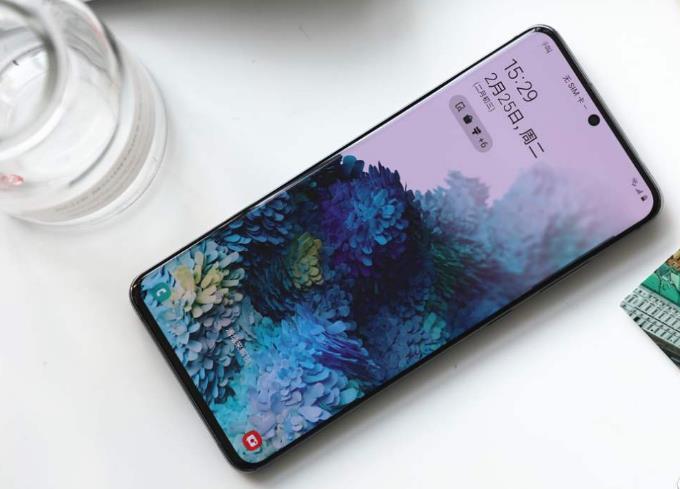 成为三星在国内口碑最好的手机,短短三个月价格跳水就达2400元,在中国的销量只能用惨淡二字来形容