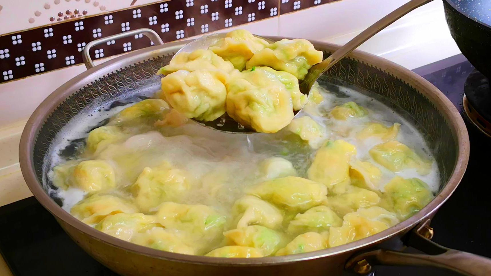 天冷多吃萝卜,教你萝卜馅饺子好吃做法,上桌3碗不够吃,太香了
