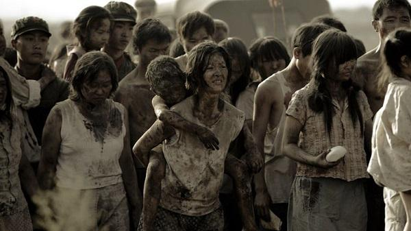 再看《唐山大地震》, 這不是一部災難片, 而是一部情感大片