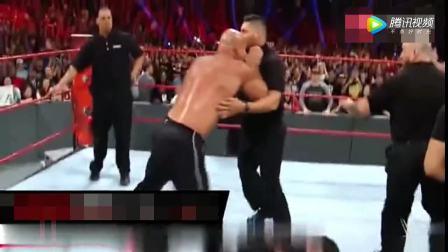 WWE: 半兽人布洛克和战神高柏谁更厉害,布洛克好怂