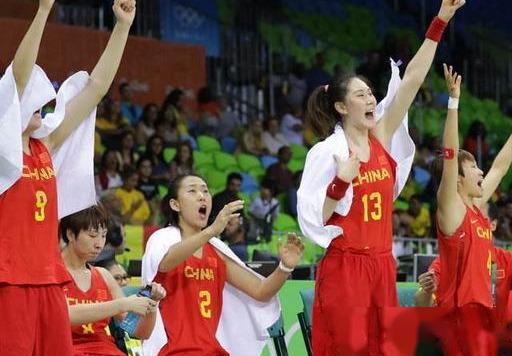 """中国女篮距离奥运会仅一步之遥, 许利民教练终于亮出""""杀手锏""""了"""