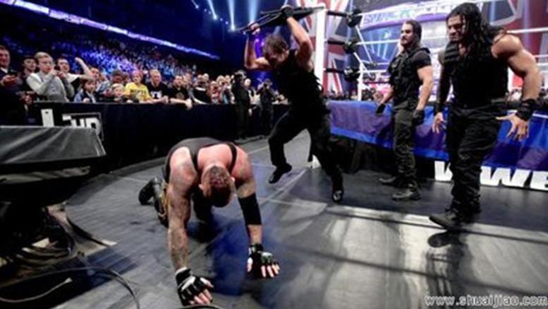 WWE 捍卫者重组归来首战 蛋妞凯恩成为圣盾归来的第一个倒霉蛋