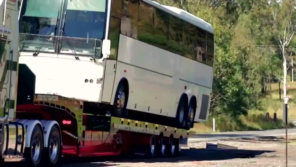 高科技智能运输车,还怕你的货物大吗