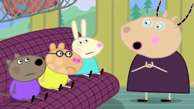 小猪佩奇 佩德罗有些晕车 跑到火车头尝试开火车