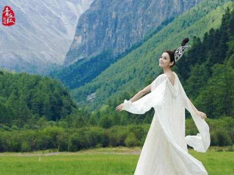 古装白衣女子: 杨幂刘亦菲娜扎赵丽颖张馨予杨蓉景甜
