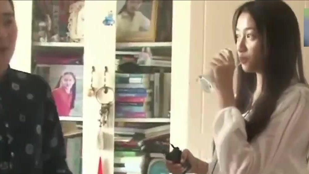 关晓彤房间里挂满李易峰的照片,这是她的男神,鹿晗不会生气吗?