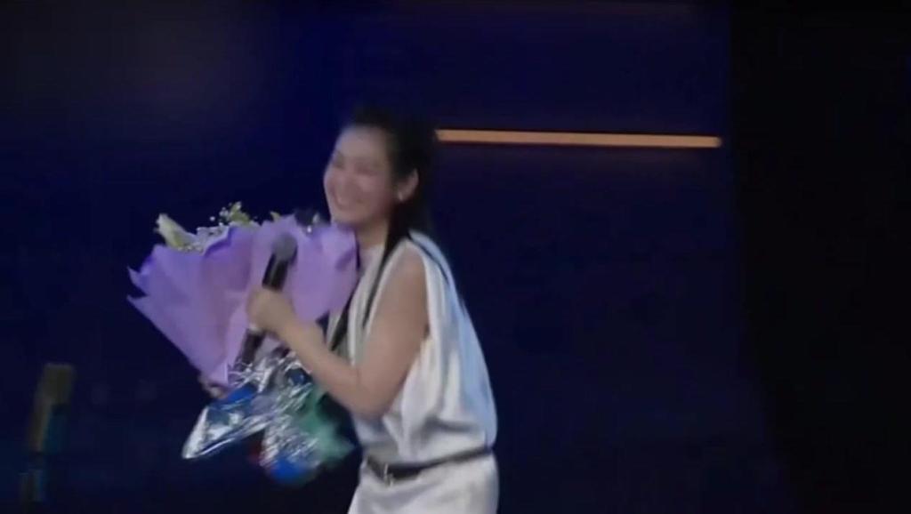 打开 中岛美雪写的一首歌,刘若英在日本演唱,观众听完掌声真是如雷