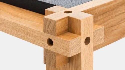 木工打造榫卯,老外看了很疑惑,老祖宗的发明值得自豪!