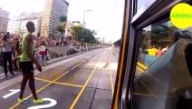 看博尔特和公交车赛跑,博尔特涡轮增压加持