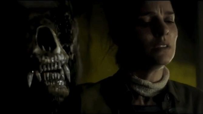 堪比异形的年度大片《灭绝》中文预告,女子探险队遭恐怖怪物袭击!