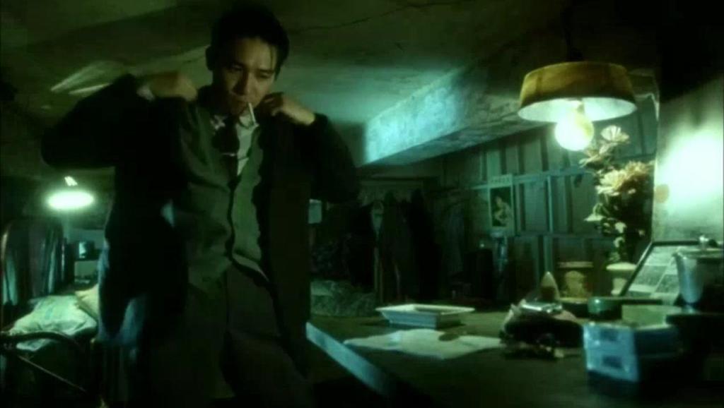 梁朝伟因为最后这个简单镜头,却成为华语电影的经典片段,更是成为王家卫的御用演员