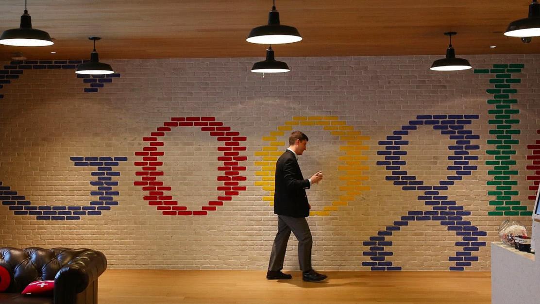 谷歌服软求情后  开始对华为新一轮的拦截, 网友: 墙头草