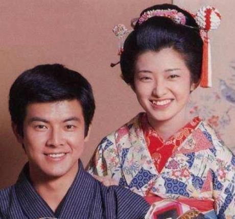 66岁三浦友和近照晒出, 直言妻子做饭团遭孩子嫌弃, 网友: 真爱