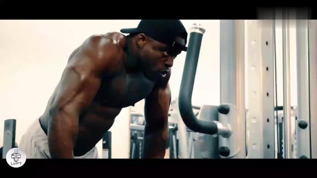 健身男神健身视频集锦,每一块肌肉都释放着雄性荷尔蒙