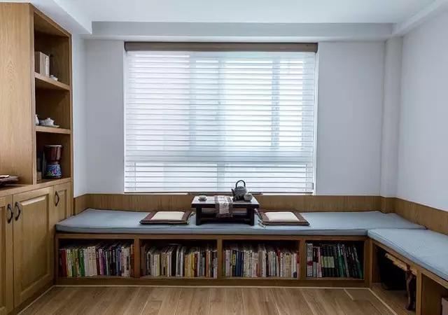 85平两室一厅, 客厅阳台改成了榻榻米休闲区
