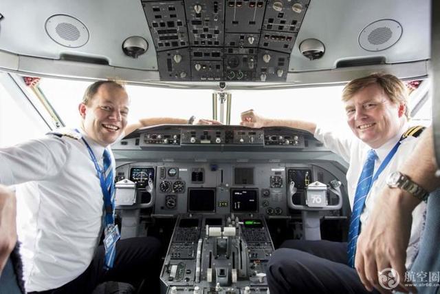 荷兰国王每月驾民航飞机飞行两次