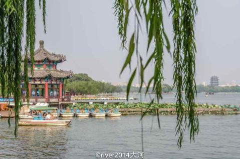 济南大明湖免费开放, 泉水汇集成湖景色超美 - 微信奴