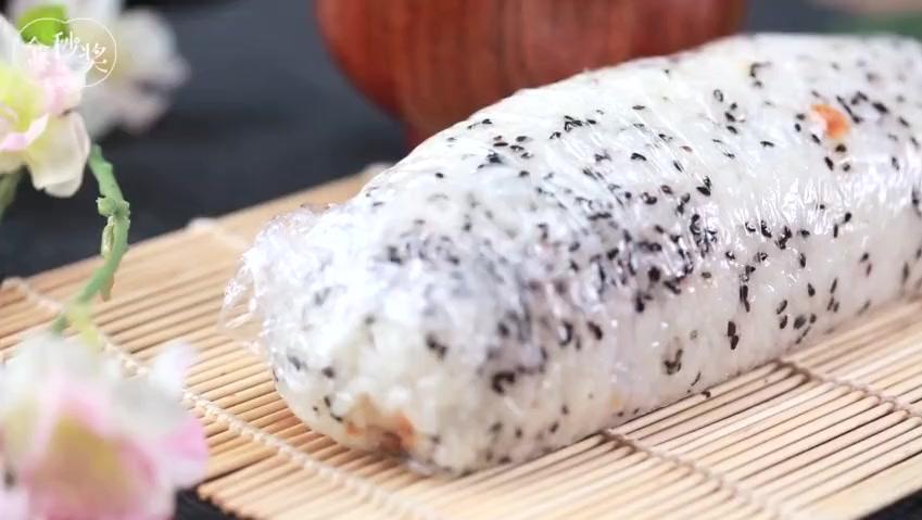 时下最流行的养生早餐吃法,用藜麦糙米做饭团,减脂养胃超好吃!