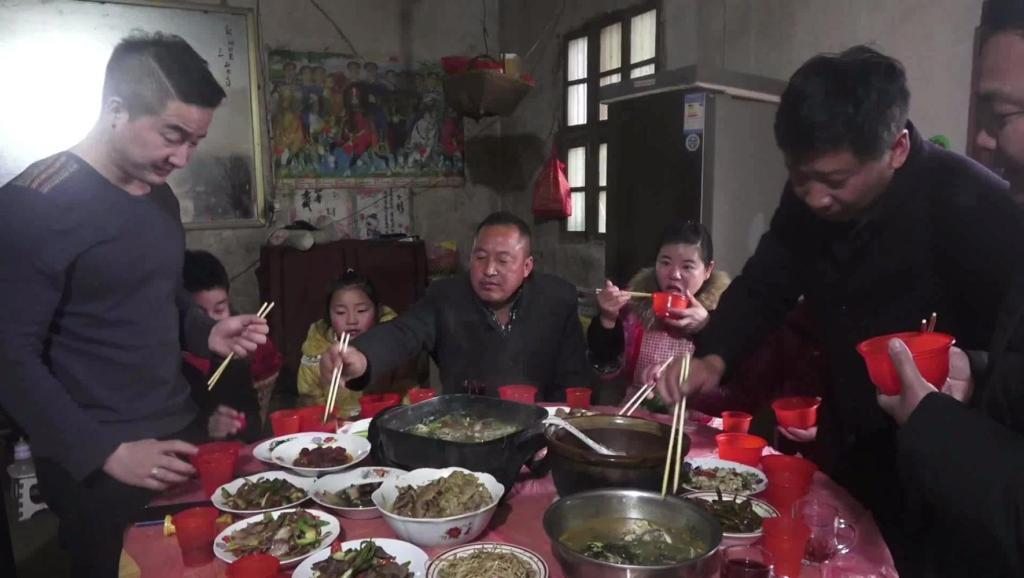 打开 打开 南阳女婿在信阳: 大年三十迎狗年,到底有啥风俗习惯不一