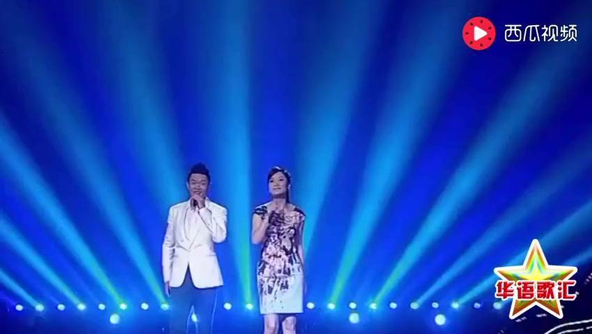 凤凰传奇经典成名曲《天蓝蓝》,振奋人心的歌声,超好听