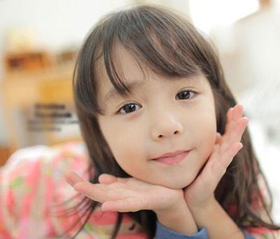 早前,韩国童星tina因甜美可爱的外面加上古灵精怪的性格,成为不少人