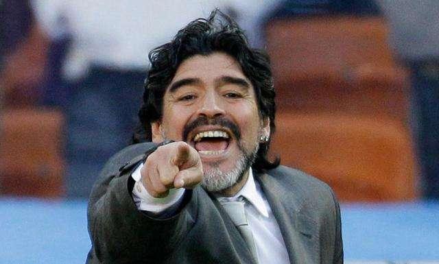 巴萨至今未公布马拉多纳放当今足坛的预估身价, 因为梅西还在队中