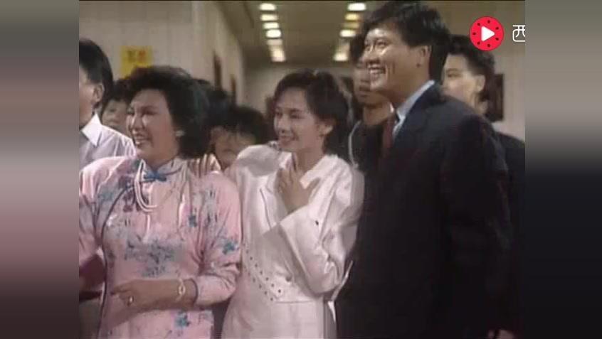 《他来自江湖》周星驰和梅小惠结婚片段,场面超级搞笑,粤语