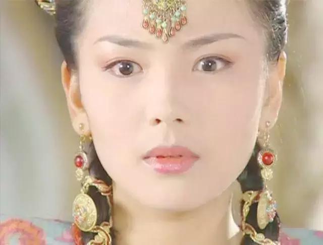 刘涛微博晒素颜照片, 网友留言和鹿晗撞脸