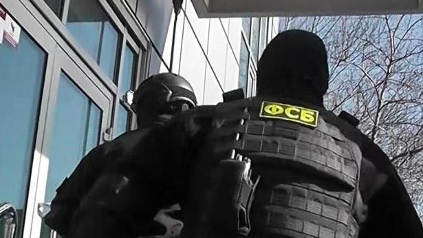 涉嫌为乌克兰收集情报, 众多军官对其一见倾心 俄逮捕一名女模特,
