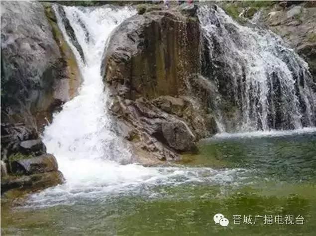 壁纸 风景 旅游 瀑布 山水 桌面 635_475