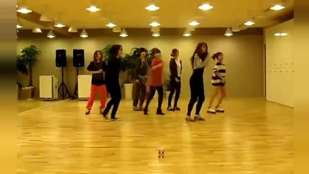 "T-ara最火的一首歌,经典""鬼步舞""曾火遍亚洲,忍不住抖腿!"