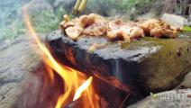 石头上烤肉,好吃到连石头都想舔