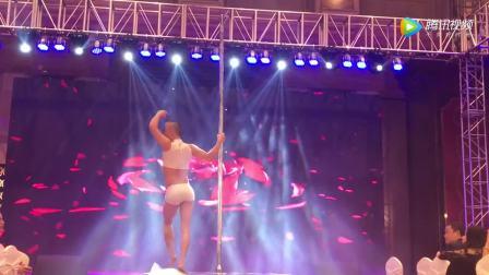 华翎舞蹈老师《九张机》钢管舞演出视频