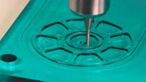 加工玻璃如同切豆腐般轻松,速度还如此之快