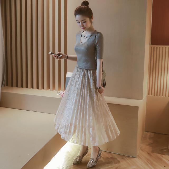 连衣裙 半身裙_不喜欢穿连衣裙, 那就试试这5款半身裙, 一款比一款美, 不仅遮大腿粗还百搭时尚