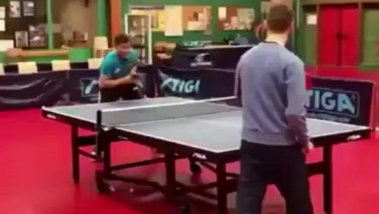 接不住!乒乓球这么发球可以吹一辈子了!比刘国梁张继科发球都牛
