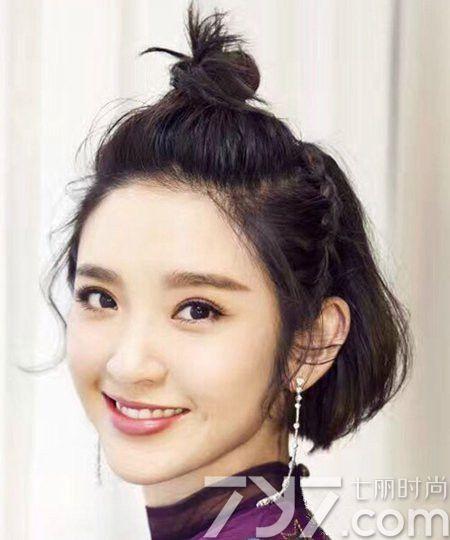 韩式短发半扎发型图片 今年最流行短发这样半扎