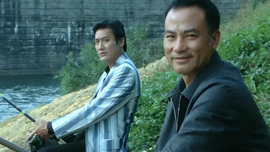 上映2周遭下架,杜琪峰处女作失败,导致他重回王晶父亲身边学习
