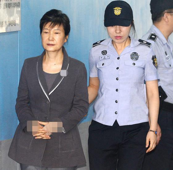 朴槿惠扎心了! 又一起案件被发回重审 面临加刑