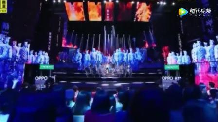 《跨界歌王》总决赛谢娜张杰夫妻合唱《天下》威武霸气