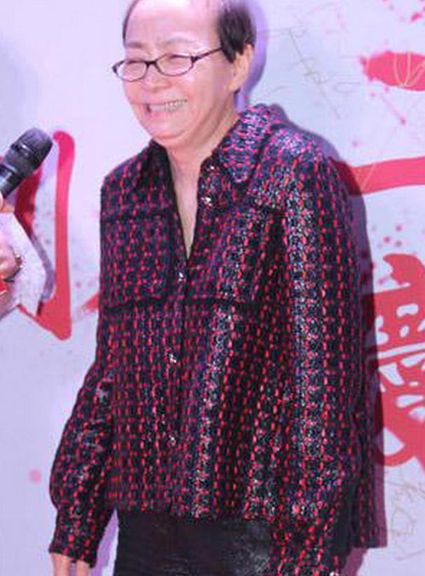 62岁刘晓庆和56岁宋丹丹, 同样近照, 看后震惊了, 你喜欢谁?