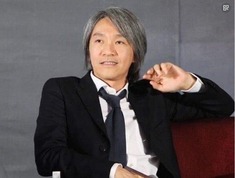 冯小刚难掩愤怒: 他电影我去客串, 我电影请他, 他却说有事不来