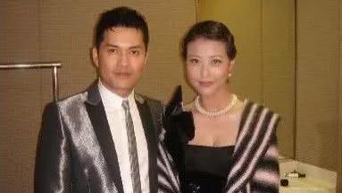 他曾是越南窮小伙, 來中國香港打拚成影帝, 三婚娶億萬富婆, 前任卻為他單身30年!
