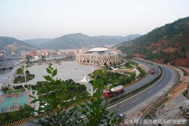 """其中,白龙山风景区拥有龙山十景,自古被誉为""""岚县八景""""之首,是晋西北"""