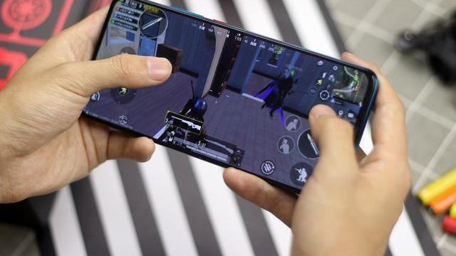 打破高通865起售价的谣言  客观分析2999元的旗舰手机, 值得买吗