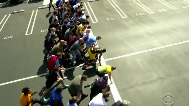 博尔特和100个普通人比赛结果会是怎样?真的太快了!