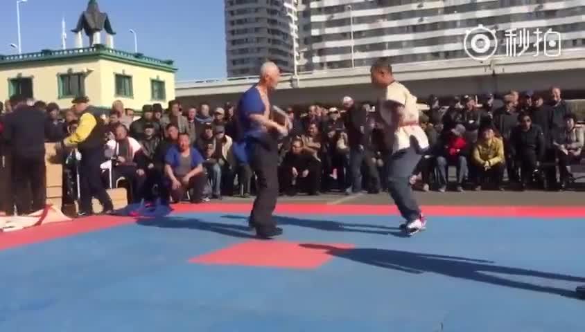 中国式摔跤表演赛, 在哈尔滨道外区道台府广场举行
