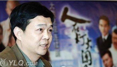 八阿哥冯绍峰,四阿哥何晟铭和素言佟丽娅等明星,而《宫锁珠帘》开拍之