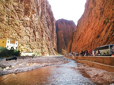 今日看点:图德拉峡谷 骑骆驼 沙漠日落 沙漠星空 住宿:desert camp