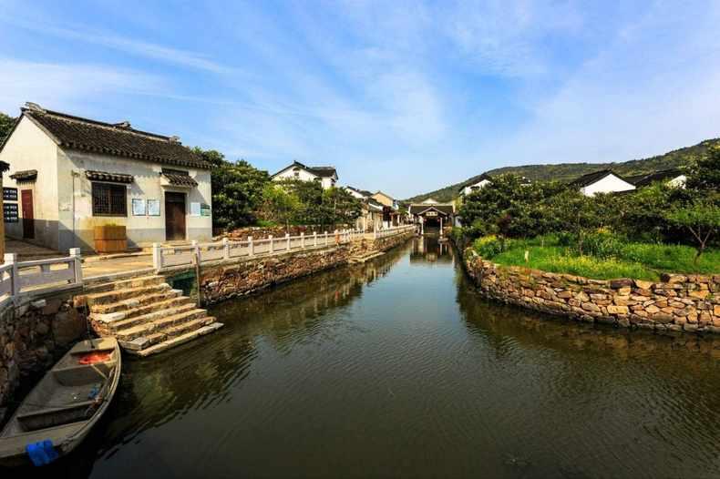 地址:苏州市相城区阳澄湖生态休闲旅游度假区澄中路 吴中区 光福诸峰